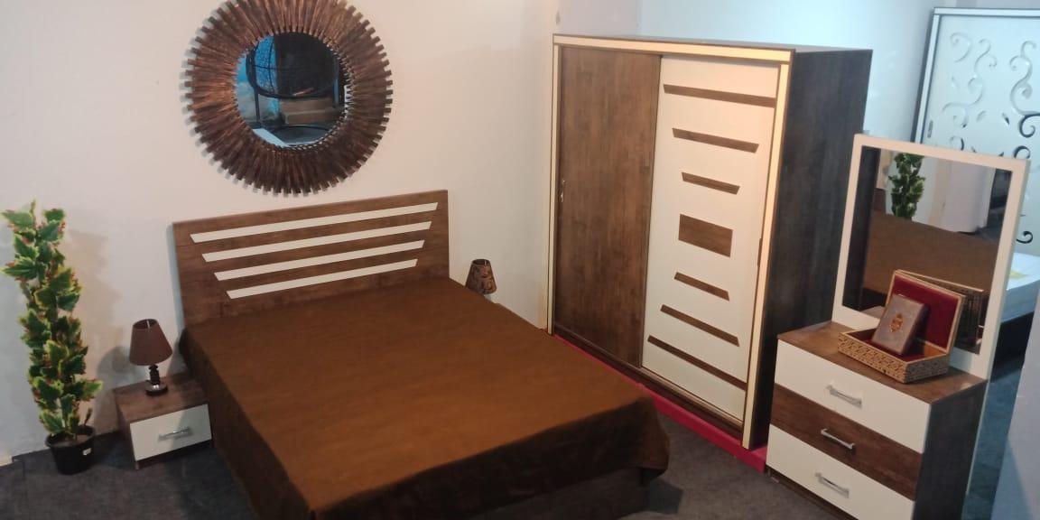 غرفة نوم كود ١٠٢